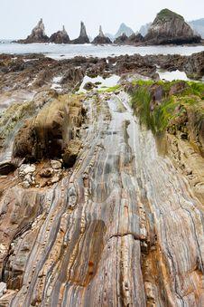 Free Stones To The Sea Royalty Free Stock Photo - 23157145