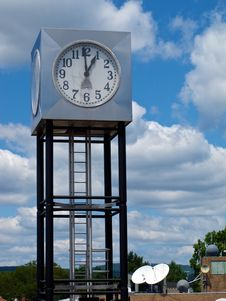 Free Modern Cube-Shaped Clock Tower In Mountain Setting Stock Images - 23160724