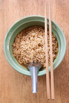 Free Instant Noodle With Spoon And Chopsticks Stock Photography - 23162312
