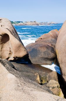 Rocks On Pink Granite Coast Royalty Free Stock Photography