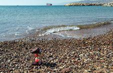 Free Woody Hourglass On Marine Beach Royalty Free Stock Photography - 23189737