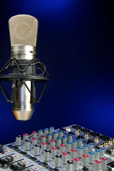 Free Mixer And  Vocal Mic Stock Photos - 23195453