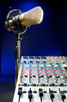 Free Mixer And  Vocal Mic Stock Image - 23195541