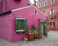 Free Colourful Houses Of Burano Royalty Free Stock Photography - 23197147