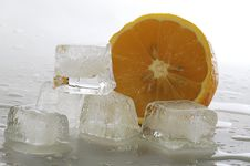 Free Ice And Lemon Royalty Free Stock Image - 2322536