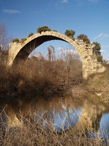 Free Ancient Roman Bridge Of Mantible Stock Images - 2322654