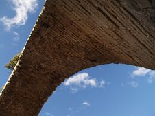 Free Ancient Roman Bridge Of Mantible Stock Photography - 2322682