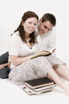Free Couple Reading Stock Photography - 2325482