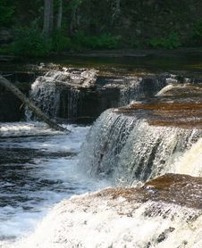 Free Raging Waterfall Royalty Free Stock Photos - 2327638
