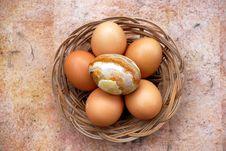 Free Basket With Eggs Stock Photos - 2327833