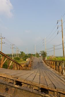 Free Broken Bridge. Royalty Free Stock Photography - 23200047