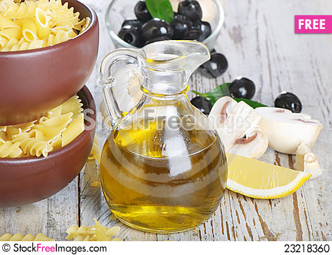 Free Italian Cuisine Stock Photo - 23218360