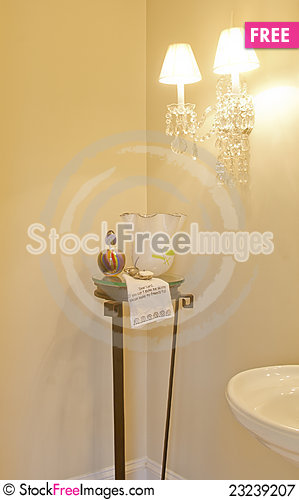 Free Corner Of Decorated Bathroom Royalty Free Stock Photography - 23239207