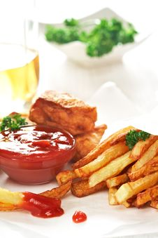 Free Fish And Chips Royalty Free Stock Photo - 23245115