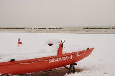 Free Rescue Boat On The Beach Covered With Snow Stock Photos - 23251143