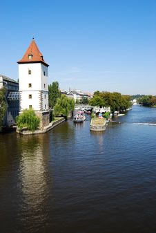 Free Vltava River Royalty Free Stock Photo - 23262165