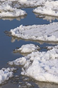 Free Ice Floes Royalty Free Stock Image - 23264456