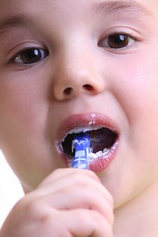 Free Beautiful Little Boy To Brush His Teeth Royalty Free Stock Photos - 23265048