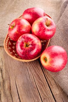 Free Ripe Apple Fruits Stock Photo - 23282950