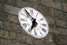 Free Old Wall Clock Royalty Free Stock Photography - 2333577
