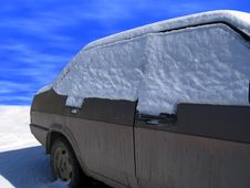 Free Car In Snow Royalty Free Stock Images - 2335799