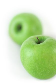 Free Couple Of Fresh Green Apples Stock Images - 2336774
