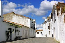 Free Street Of Monsaraz Royalty Free Stock Images - 2337049