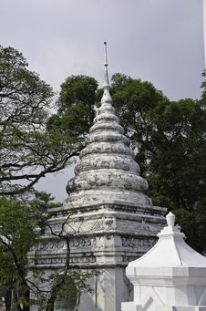 Free Old Pagoda Royalty Free Stock Photo - 23327335