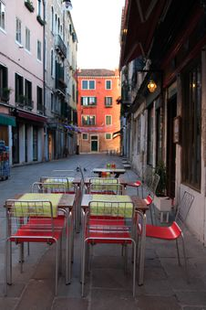 Free Sidewalk Cafe Stock Images - 23335964
