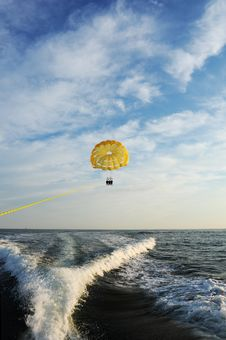Free Parasail Being Pulled Royalty Free Stock Image - 23348006