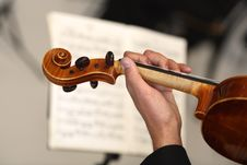 Free Orchestra Of Classical Music With Violin Royalty Free Stock Photography - 23352357