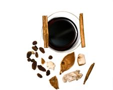 Free Mulled Wine, Cinnamon And Spices Royalty Free Stock Photo - 23352875