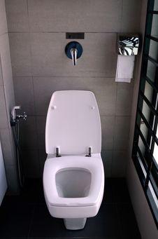 Free White Toilet Bowl Royalty Free Stock Image - 23371656