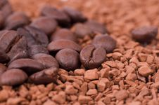 Free Instant Coffee And The Grains Of Coffee Stock Images - 23373664