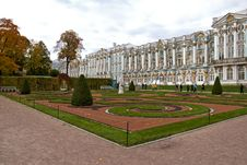 Free Garden In Catherine S Palace Royalty Free Stock Photo - 23374365
