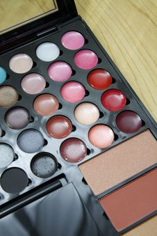 Free Make Up Palette Royalty Free Stock Images - 23395489