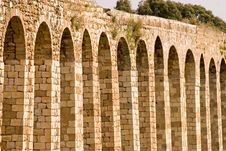 Free Roman Aqueduct Royalty Free Stock Photography - 2340397