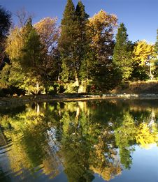 Free Autumn Reflections Stock Photography - 2340682