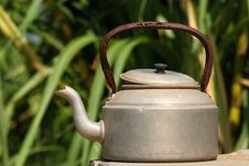 Free Old Kettle Royalty Free Stock Images - 2346549