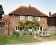 Free English Village House Royalty Free Stock Image - 2348166