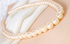 Free Pearl Necklace Stock Images - 2348224