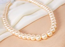 Free Pearl Necklace Stock Photo - 2348240