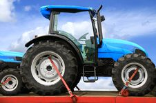 Free Tractor Royalty Free Stock Images - 23448989