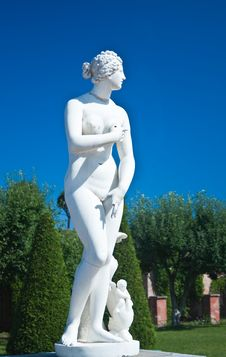Peterhof. Lower Park. Sculpture Of Venus. Russia Stock Photo