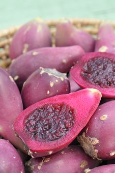 Free Cactus Pears Royalty Free Stock Photography - 23468667