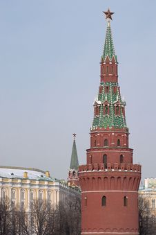 Free Moscow Kremlin Towers Winter View Royalty Free Stock Photo - 23469325