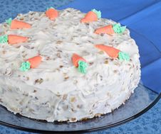 Free Whole Carrot Cake Royalty Free Stock Photos - 23497118