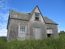 Free Abandoned House Royalty Free Stock Photography - 2353147