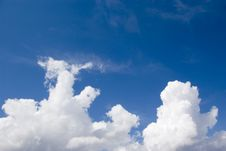 Free Clouds Royalty Free Stock Photos - 2354588