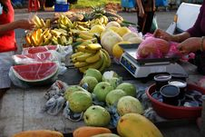 Free Fruits Selling At The Market Royalty Free Stock Photo - 2359635